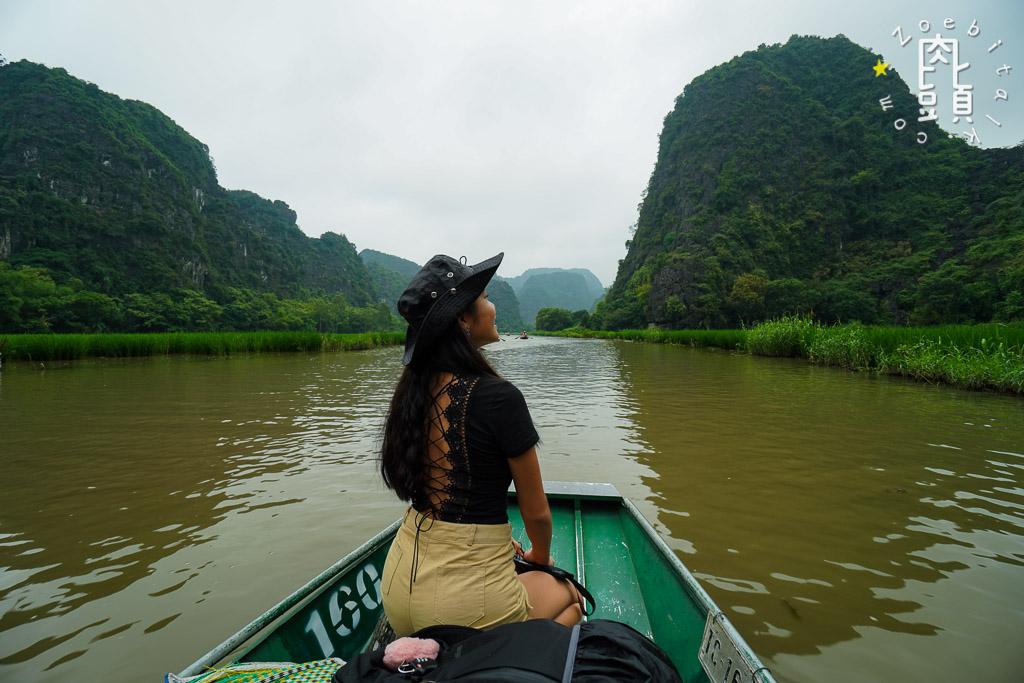 tam coc attraction river 1